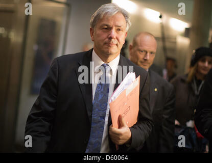 Mayor of Berlin Klaus Wowereit (SPD) arrives for a meeting of the budget committee at the Bundestag in Berlin, Germany, - Stock Photo