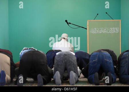 Friday prayer (Jumu'ah) takes place at Khadija Mosque in Berlin, Germany, 20 April 2012. Photo: Florian Schuh - Stock Photo