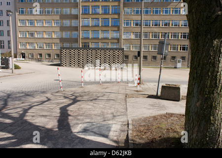 Forecourt of 'Haus 1' the ministerial headquarters of the Stasi secret police in Communist East Germany, the GDR. - Stock Photo