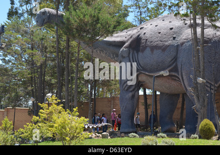 Parque Cretacico, Sucre - Dinosaur themed park in Bolivia with fossils and life-size statues - Stock Photo