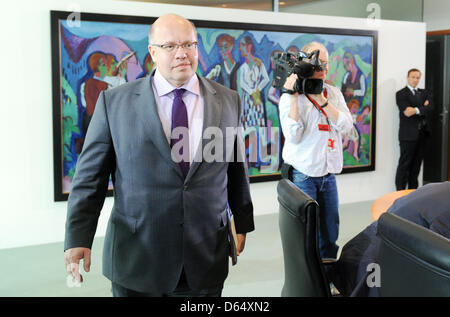 German Minister for the environment Peter Altmaier (CDU) attends the cabinet meeting at the Federal Chanceelery - Stock Photo