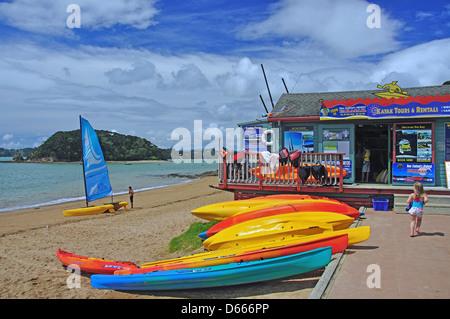 Bay Beach hire shop, Paihia, Bay of Islands, Northland Region, North Island, New Zealand - Stock Photo