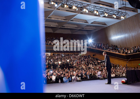 US President Barack Obama waves to the audience after delivering remarks at the Jerusalem Convention Center March - Stock Photo