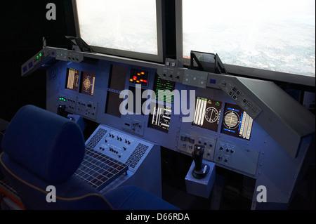 space shuttle cockpit trainer - photo #2
