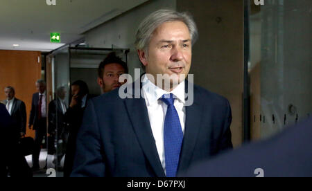 Mayor of Berlin Klaus Wowereit arrives to a meeting of the budget committee at the German Bundestag in Berlin, Germany, - Stock Photo