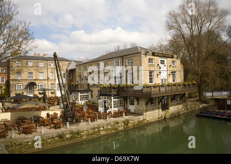 Oxford Oxfordshire The Head of the River Hotel at side of Thames on Folly Bridge - Stock Photo