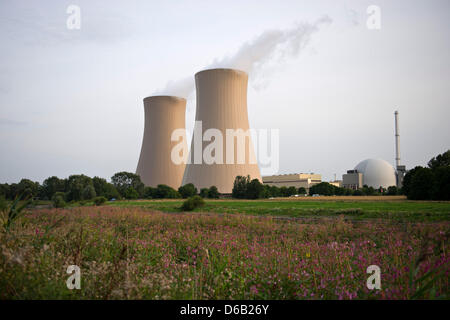 View of the two cooling towers of the nuclear power plant Grohnde near Hameln, Germany, 14 August 2012. On the occasion - Stock Photo