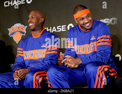 Chauncey Billups and Carmelo Anthony The New York Knicks hold a press conference at Madison Square Garden to announce - Stock Photo