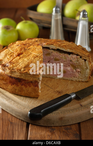 Fidget pie Gammon and apple pie UK Food - Stock Photo