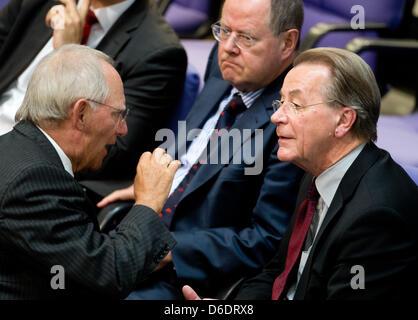 German Minister of Finance Wolfgang Schaeuble (CDU, L-R) talks to Peer Steinbrueck (SPD) and Franz Muentefering - Stock Photo