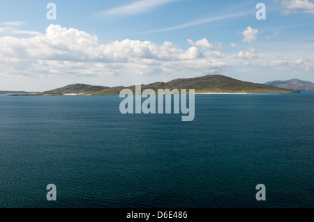 The island of Taransay seen across the Sound of Taransay from South Harris in the Outer Hebrides. - Stock Photo