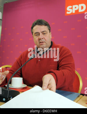 The chairman of Germany's Social Democratic Party (SPD) Sigmar Gabriel attends the first SPDconvention of 2012 at Inselhotel in Potsdam,Germany, 29 January 2012. Photo: BERND SETTNIK