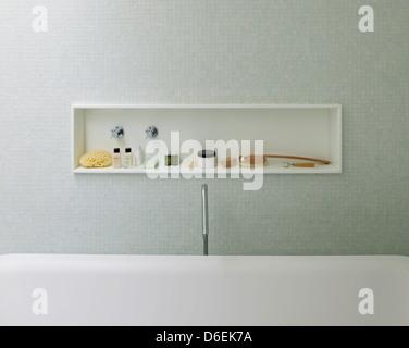 Casa Cubo, Sao Paulo, Brazil. Architect: Studio MK27- Marcio Kogan, 2012. Bathroom detail. - Stock Photo