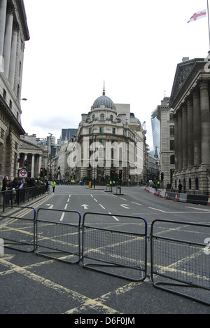 Empty roads, no traffic, cars, buses. Day of Margaret Thatchers funeral. London. Bank station. Road barriers. Queen - Stock Photo