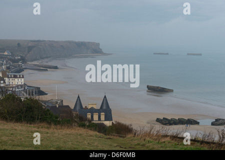 General view of the bay of Arromanches-les-bains, Calvados, Normandy, France. Or was built Mulberry harbor for the - Stock Photo