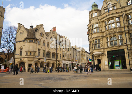 Oxford Oxfordshire HSBC and Lloyds Bank in historic buildings on junction of Cornmarket and Queen Street - Stock Photo