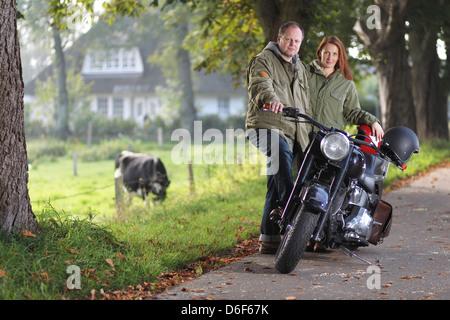 harley davidson motorcycle motorbike people biker father. Black Bedroom Furniture Sets. Home Design Ideas