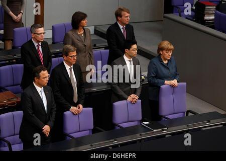 Berlin, Germany. 18th April, 2013. Plenarsitzung des Bundestags vom 18. April 2013 mit Teilnahme von Bundeskanzlerin - Stock Photo