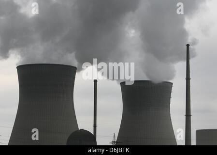 The nuclear power plant in Gundremmingen, Germany, 11 March 2012. Photo: Karl-Josef Hildenbrand - Stock Photo