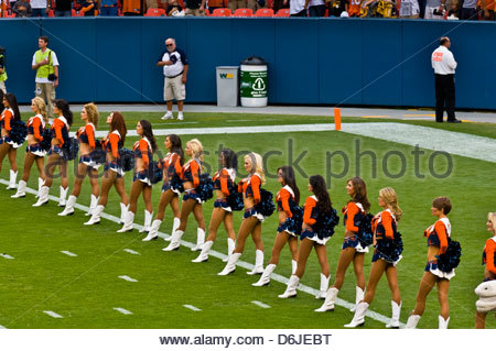 Denver Broncos Cheerleaders, Denver Broncos vs. Pittsburgh Steelers NFL football game, Sports Authority at Mile - Stock Photo