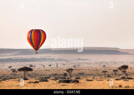 Dawn hot air balloon ride, Masai Mara National Reserve, Kenya, East Africa, Africa