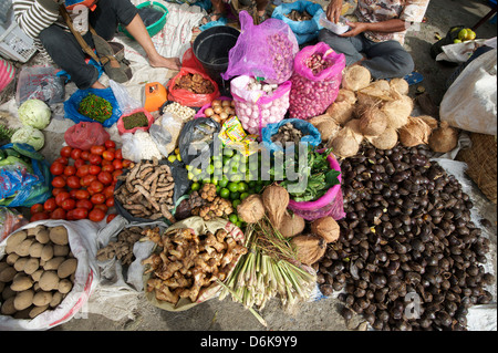 Batak tribal market stall selling local produce in Tomuk, Samosir Island in Lake Toba, Sumatra, Indonesia, Southeast - Stock Photo