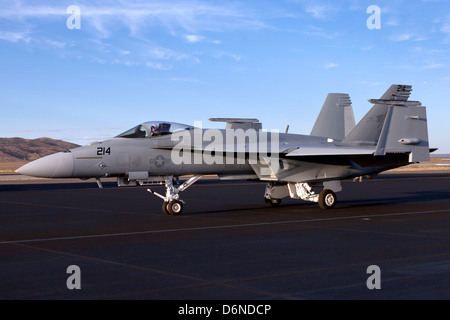 Boeing F/A-18E/F Super Hornet taxiing with wing tips folded. - Stock Photo