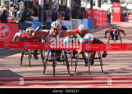 Kurt Fearnley of Australia wins mens 2013 T54 wheelchair Virgin London marathon - Stock Photo
