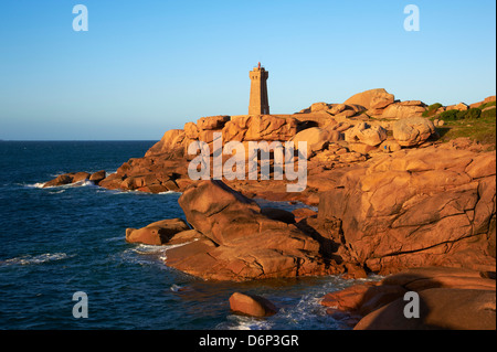 Pointe de Squewel and Mean Ruz Lighthouse, Men Ruz, Ploumanach, Cote de Granit Rose, Cotes d'Armor, Brittany, France, - Stock Photo