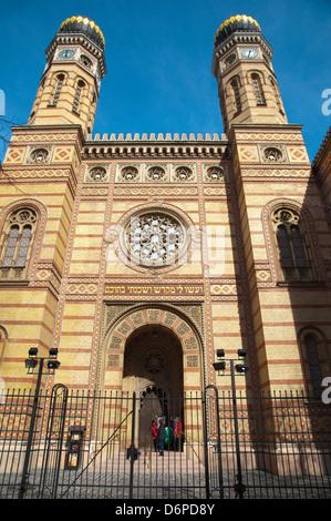 Dohany Utcai Zsinagoga the Great Synagogue (1859) Budapest Hungary Europe - Stock Photo
