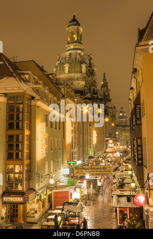 Manzgasse Christmas Market with the Frauenkirche in the background, Dresden, Saxony, Germany, Europe - Stock Photo
