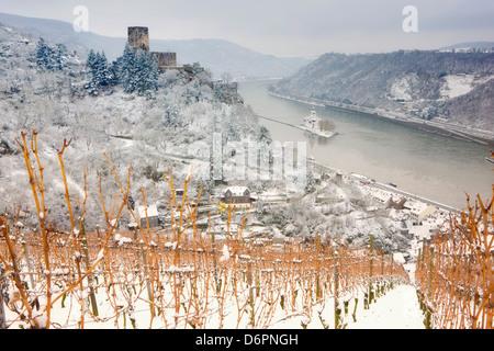 The Rhine River, Pfalz Castle and Gutenfels Castle in winter, Rheinland-Pfalz, Germany, Europe - Stock Photo