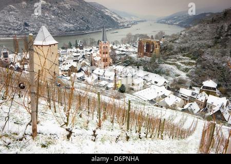Overview of Bacharach and the Rhine River in winter, Rheinland-Pfalz (Rhineland-Palatinate), Germany, Europe - Stock Photo