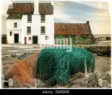 GB - SCOTLAND: Cottage at Pittenweem Harbour - Stock Photo