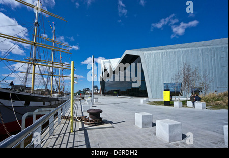 Newly built Riverside Museum on the River Clyde in Glasgow featuring exhibits depicting Scotland's history of transport - Stock Photo