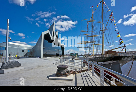 Riverside Museum on the River Clyde in Glasgow featuring exhibits depicting Scotland's history of transport & tall - Stock Photo