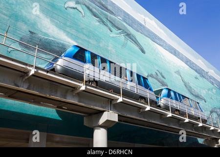 Metromover & mural by Wyland on SE 1st Street, Miami, Florida, USA - Stock Photo