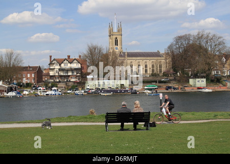 Bell Inn and St Mary's church, Hampton, East Molesey, Surrey, England, Great Britain, United Kingdom, UK, Europe - Stock Photo
