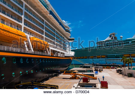 Cruise Ship Quot Freedom Of The Seas Quot In Dock Of Blohm Voss