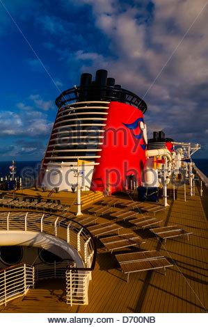 Art Deco Design Of The New Disney Dream Cruise Ship Disney Cruise - Is disney building a new cruise ship