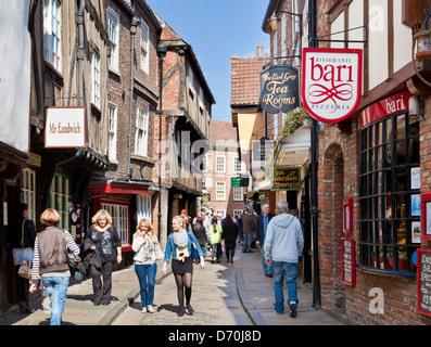 York Shambles The Shambles, the narrow street of half-timbered old medieval buildings, York, North Yorkshire England, UK, GB, EU, Europe