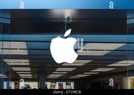 The Apple Store in the Trinity Leeds shopping centre, Briggate, Leeds, West Yorkshire, UK - Stock Photo