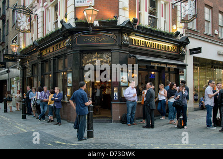 London, United Kingdom, The White Lion pub in Covent Garden in the West End - Stock Photo