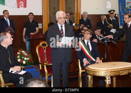 April 28, 2013 - Pompeii, Pompeii, Italy - Palestinian President Mahmoud Abbas gives a speech following receiving - Stock Photo
