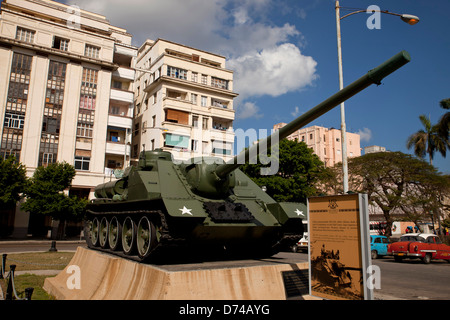 tank SAU 100 in front of the Museum of the Revolution in Havana, Cuba, Caribbean - Stock Photo