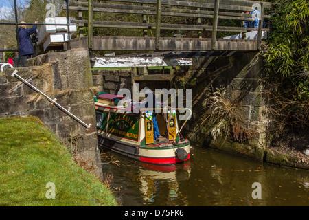 Entering a Lock 8, Mayroyd Mill Lock in the Rochdale Canal, Hebden Bridge - Stock Photo