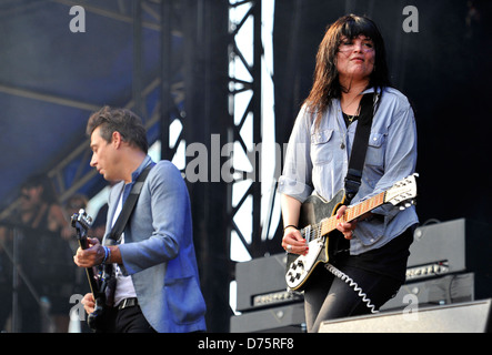 Jamie Hince and Alison Mosshart of The Kills Lollapalooza Music Festival 2011 - Performances - Day 1 Chicago, Illinois - Stock Photo