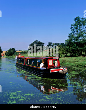 8683. Narrow boat on the Oxford canal, Warwickshire, England, UK, Europe - Stock Photo