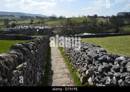 Sedber Lane Looking Towards Linton & Cracoe Fell from Grassington on the Dales Way Long Distance Footpath Wharfedale Yorkshire