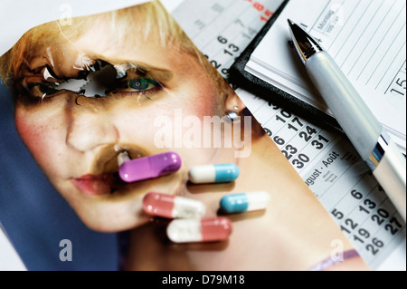Burnt photo and tablets, borer out syndrome , Verbranntes Foto und Tabletten, Burnout-Syndrom - Stock Photo